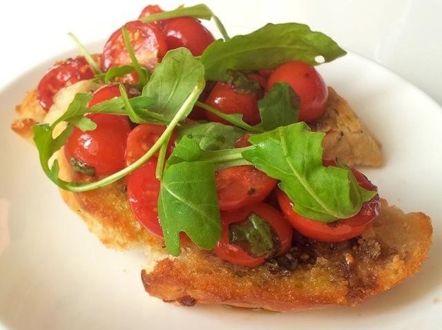Bruschetta tomaat rucola