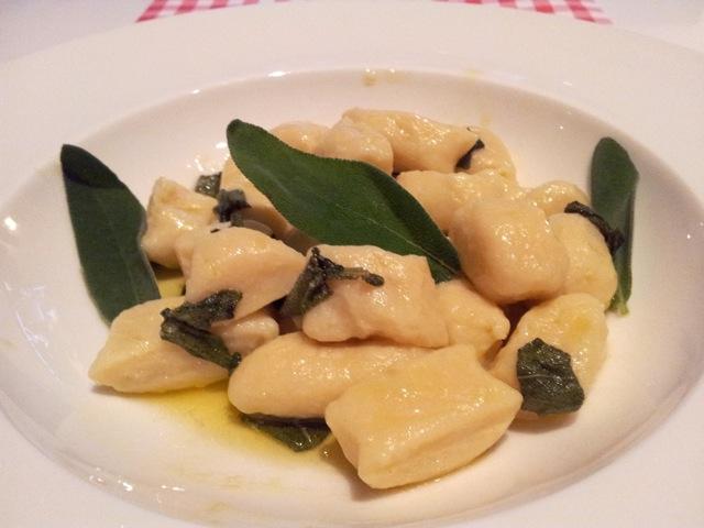 Gnocchi met saus van boter