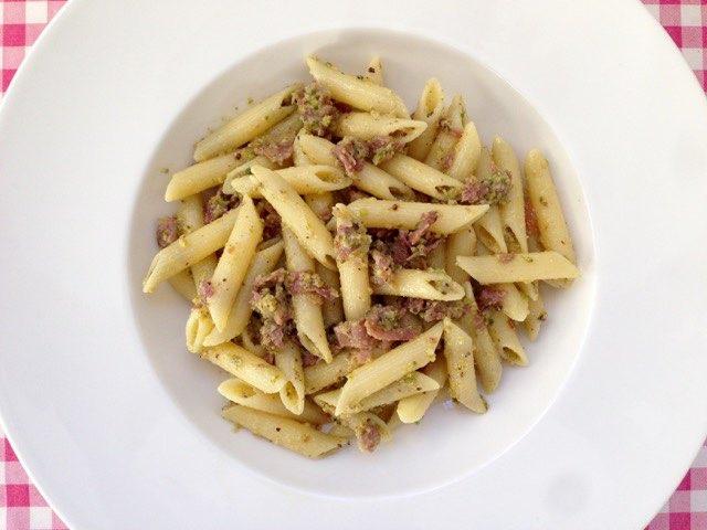 Pasta met pistachepesto en ham