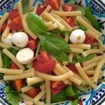 Koude macaroni salade