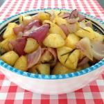 Aardappelen met rode ui