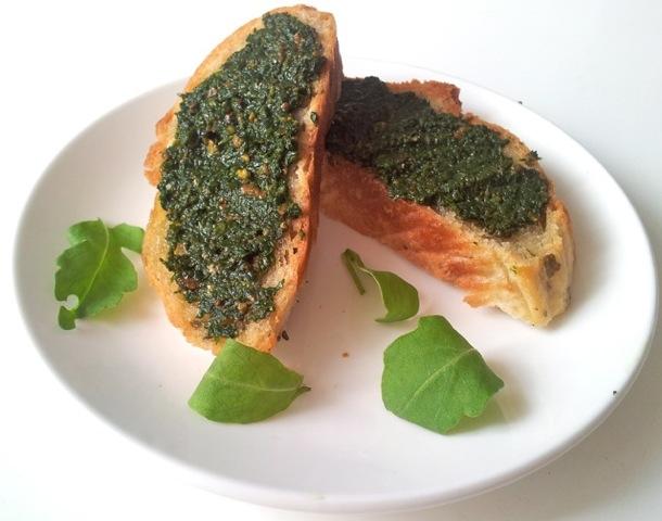 Bruschetta met groene pesto