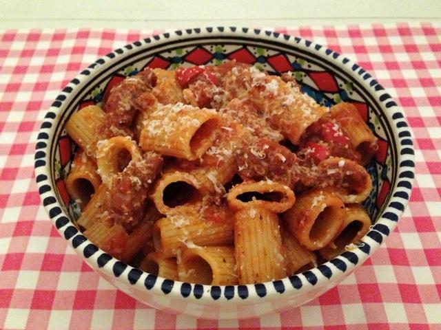 Pasta met tomatensaus en gorgonzola