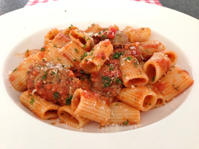 Pittige pasta met worst