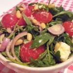 Salade met Italiaanse dressing