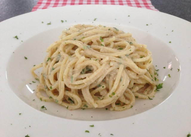 Spaghetti met walnootpesto