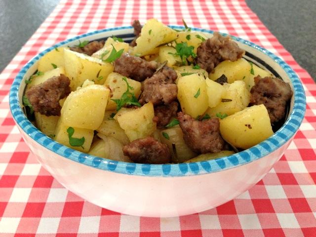 Worst met aardappelen uit de oven