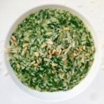 Risotto met spinazie, citroen en pijnboompitten
