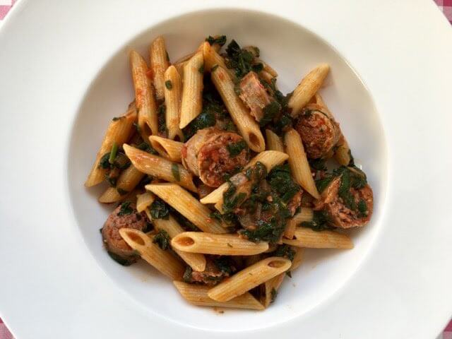 Pasta met spinazie en worst