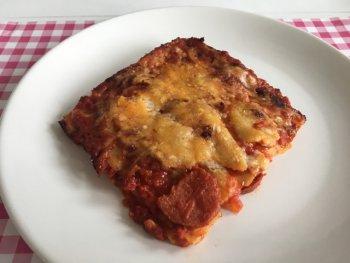 Pittige lasagne met pepers, salami en Gorgonzola