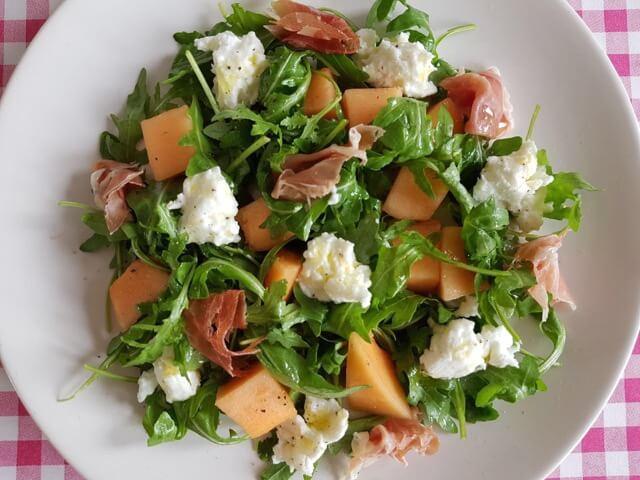 Salade met meloen, Parmaham en buffelmozzarella