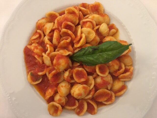 Orecchiette met tomatensaus