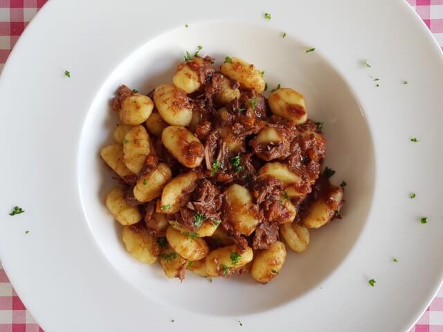 Gnocchi met stoofvlees